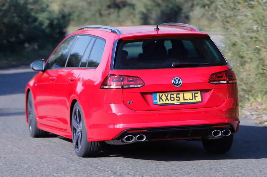 Volkswagen Golf R Estate rear cornering