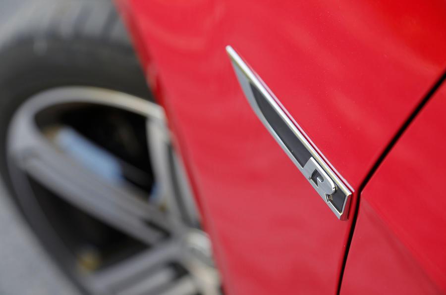 Volkswagen Golf R indicators