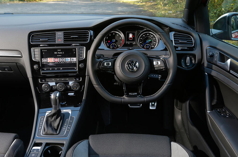 Volkswagen Golf R dashboard