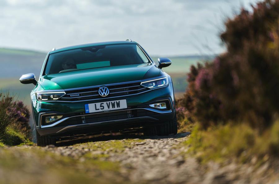Autocar VW Passat Alltrack 2019 off-road
