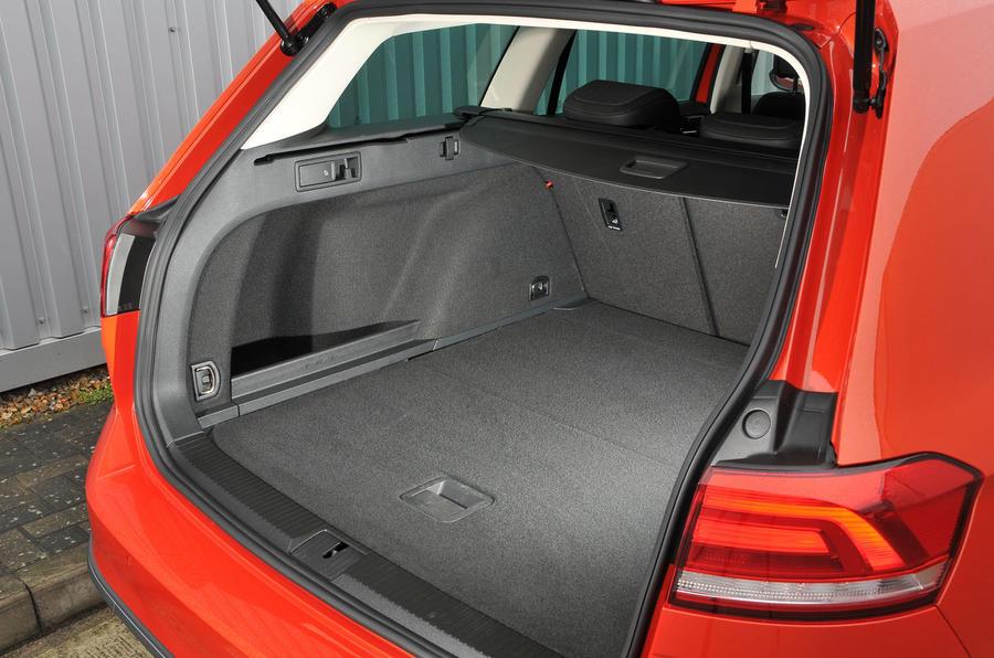 Volkswagen Passat Alltrack 2.0 TDI 4Motion boot