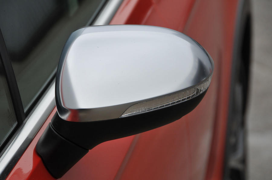 Volkswagen Passat Alltrack 2.0 TDI 4Motion left wingmirror