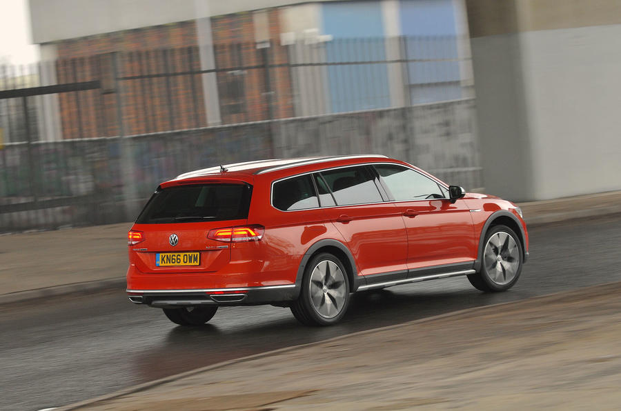 Volkswagen Passat Alltrack 2.0 TDI 4Motion rear view
