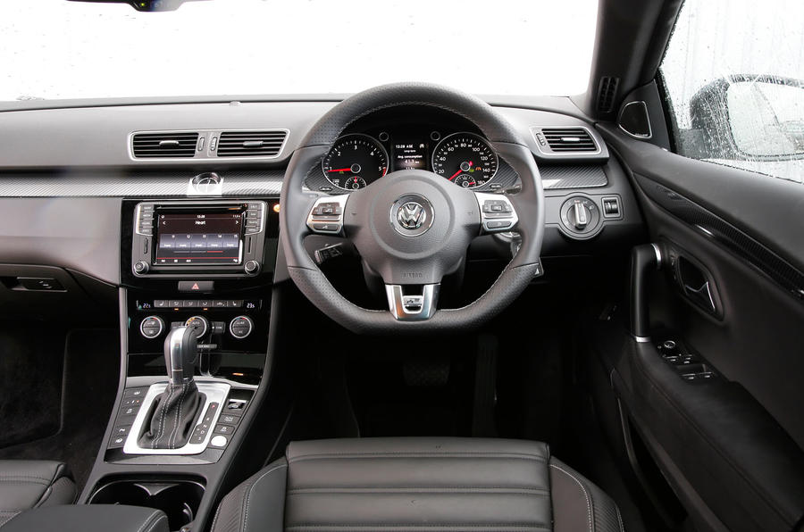 Volkswagen CC Black Edition dashboard