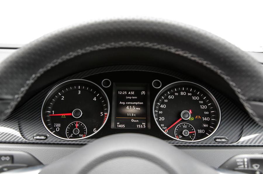 Volkswagen CC Black Edition instrument cluster