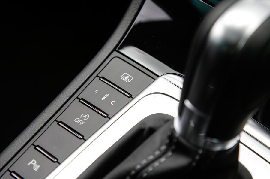 Volkswagen CC Black Edition adaptive dynamics