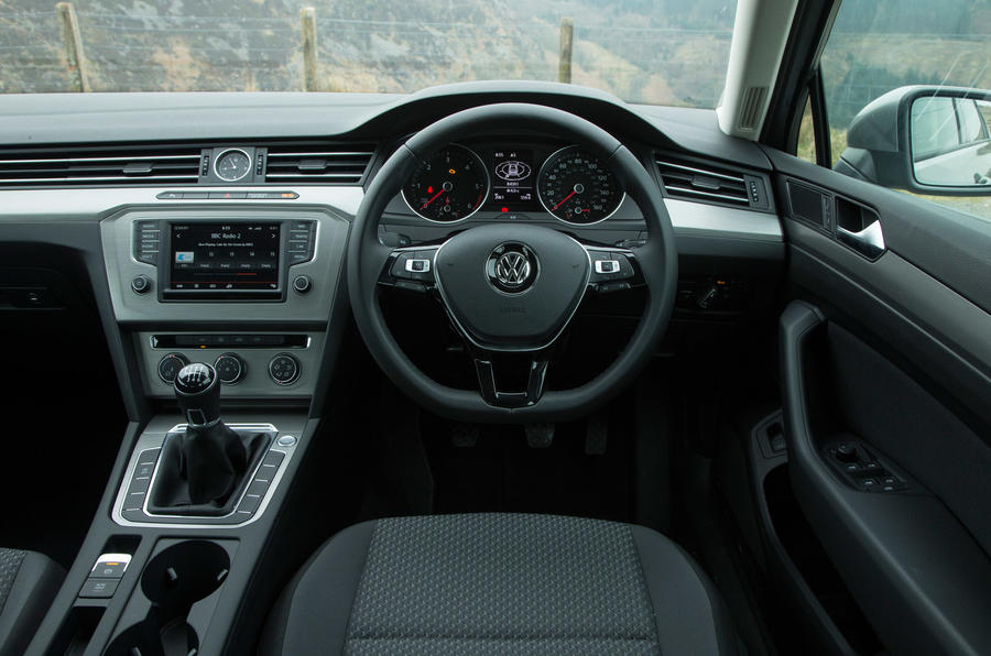 2016 volkswagen passat 1 6 tdi bluemotion review review autocar. Black Bedroom Furniture Sets. Home Design Ideas