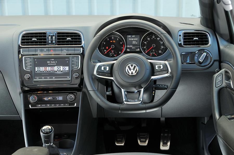 Volkswagen Polo R-Line dashboard
