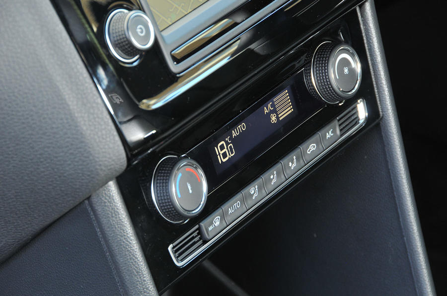 Volkswagen Polo climate control