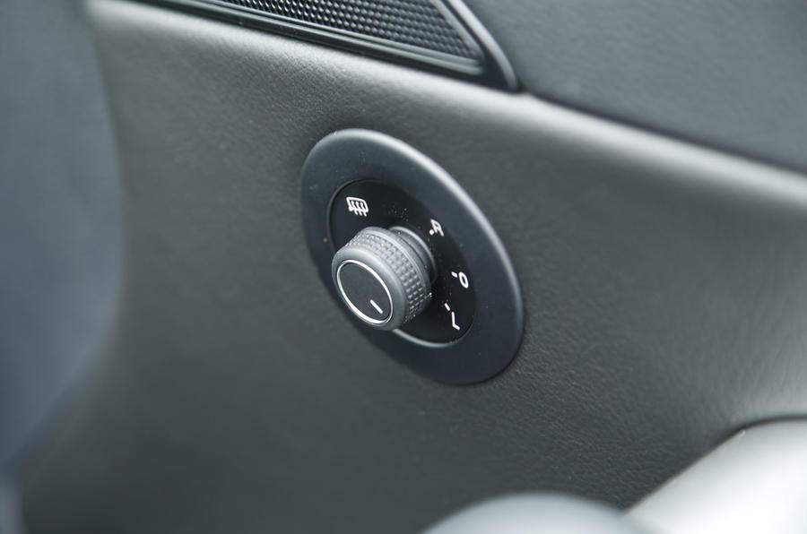 Volkswagen Scirocco door mirror controls
