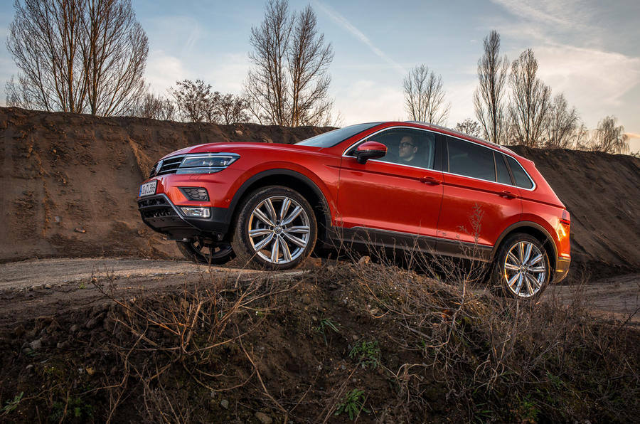 Volkswagen Tiguan off-roading side profile