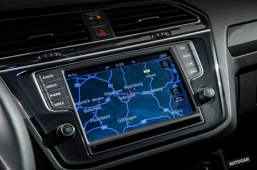 2016 Volkswagen Tiguan sat-nav