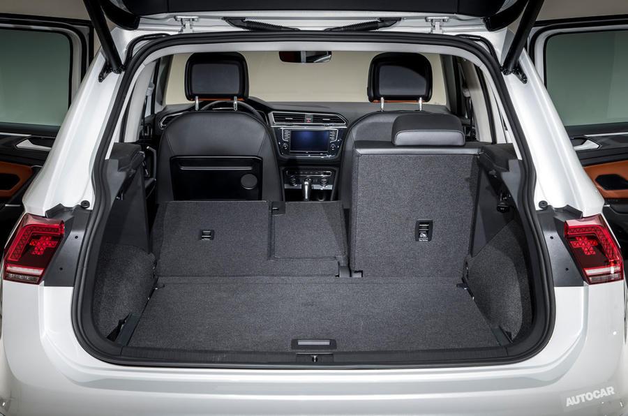 2016 Volkswagen Tiguan folding seats