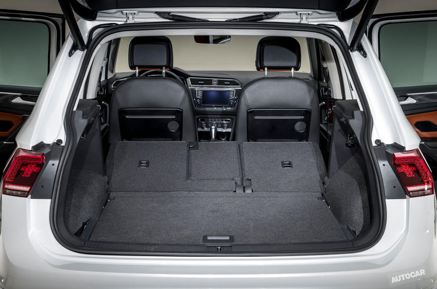 2016 Volkswagen Tiguan boot
