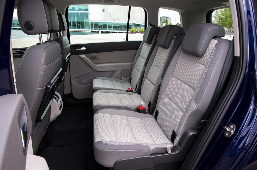 2015 volkswagen touran 1 6 tdi se review review autocar. Black Bedroom Furniture Sets. Home Design Ideas