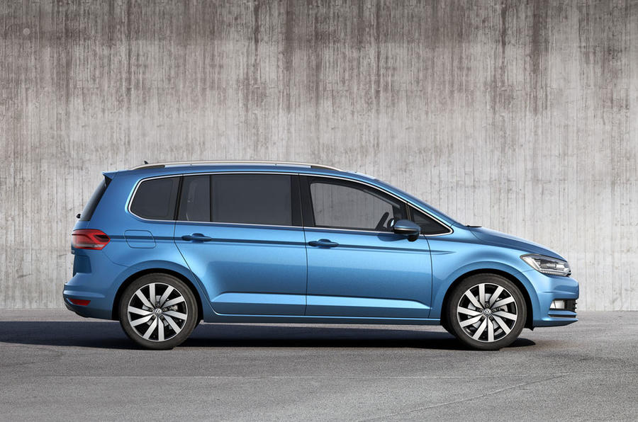 2016 volkswagen touran revealed autocar. Black Bedroom Furniture Sets. Home Design Ideas