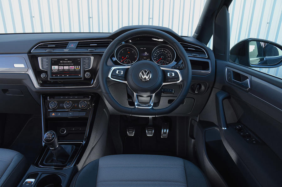 Volkswagen Touran dashboard