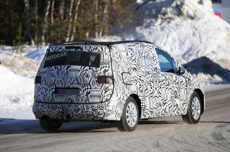 2015 - [Volkswagen] Touran - Page 4 Vw-touran-spy-2015-7