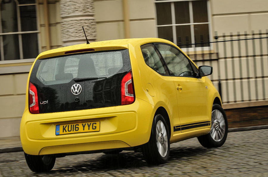 Volkswagen Look Up rear cornering