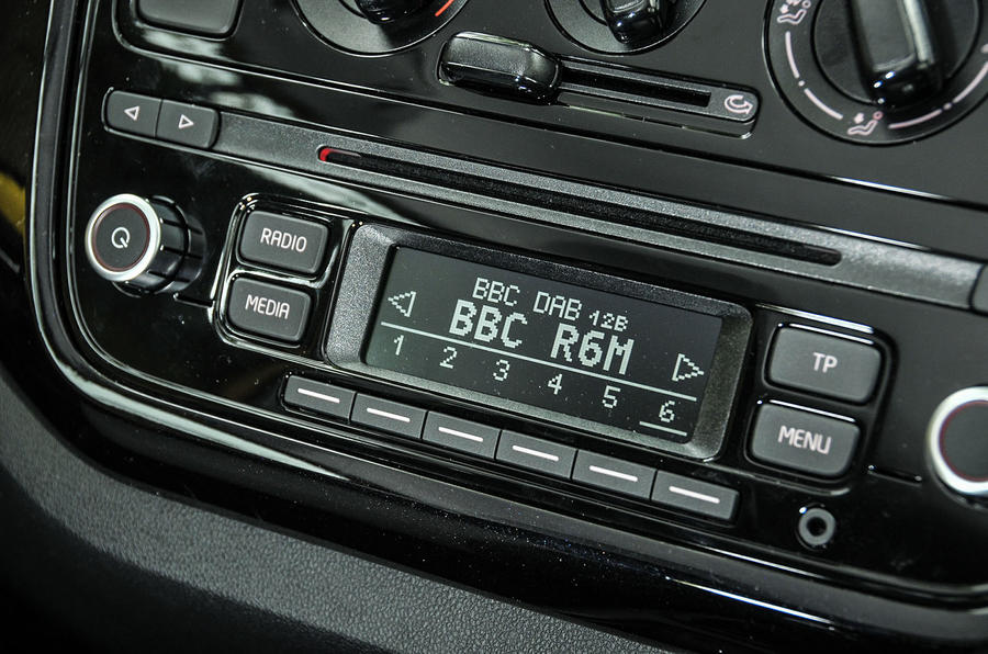 Volkswagen Look Up radio