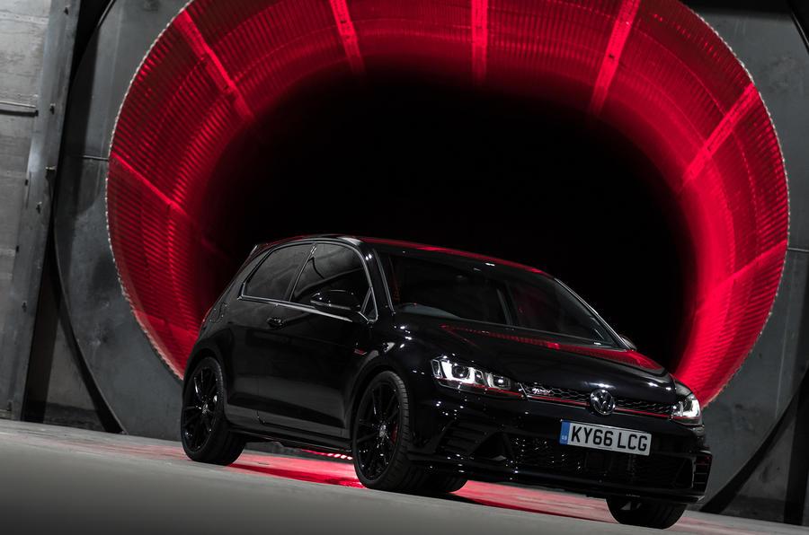 Golf Gti Clubsport S >> Volkswagen Golf GTI Clubsport S smashes own Nurburgring ...