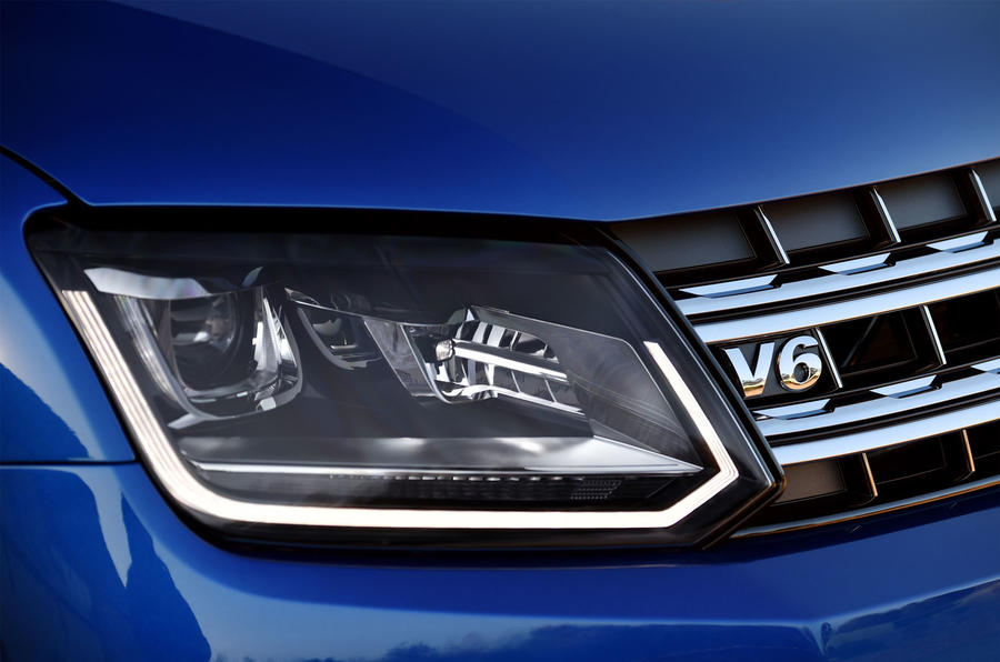 Volkswgen Amarok headlights
