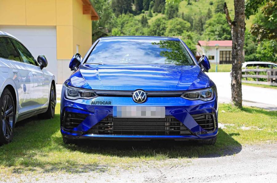 Volkswagen Golf R Mk8 spyshots front