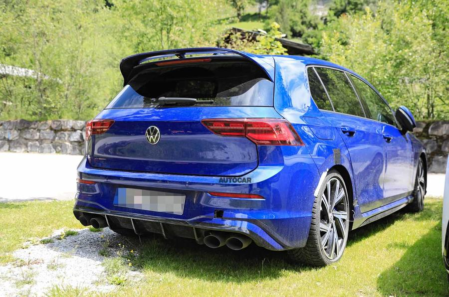 Volkswagen Golf R Mk8 spyshots rear side