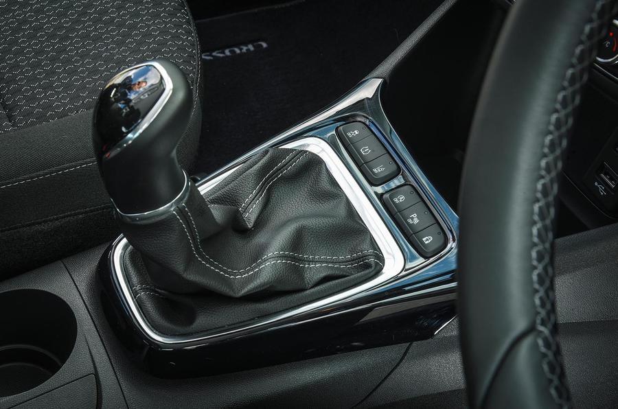 Vauxhall Crossland X manual gearbox