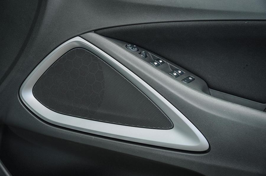 Vauxhall Crossland X audio system