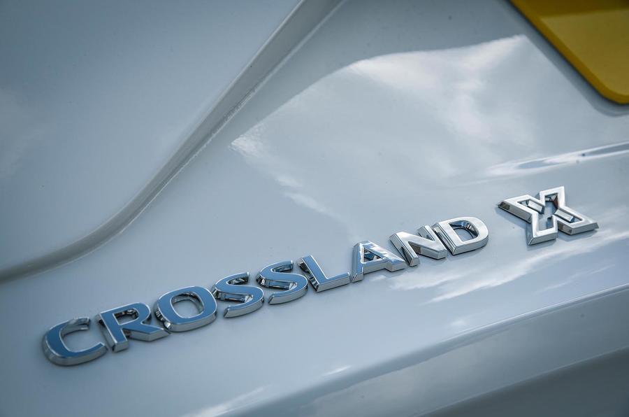 Vauxhall Crossland X badging