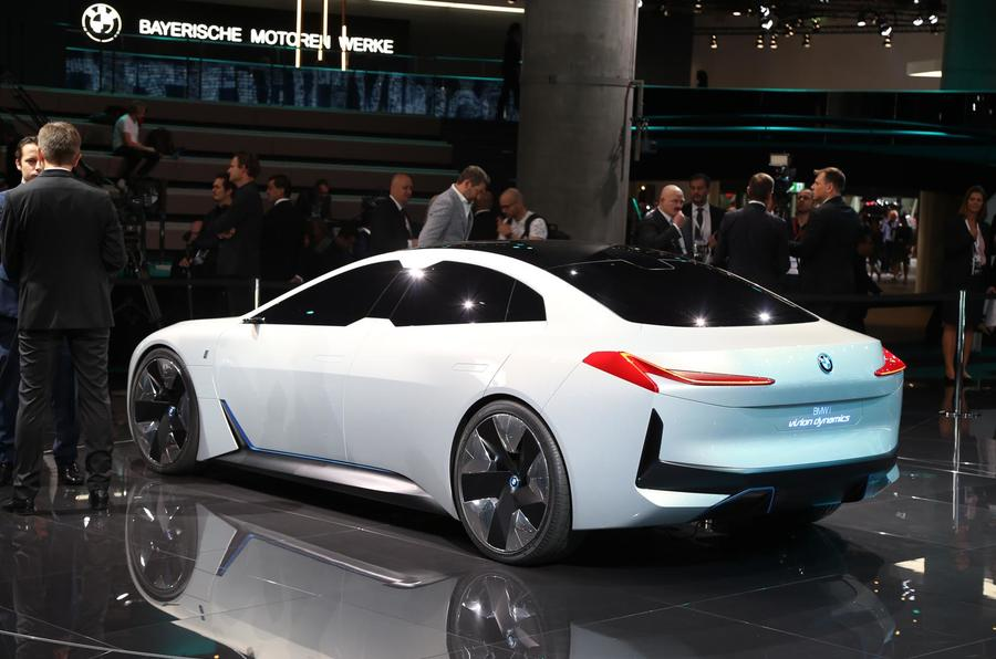 bmw i vision dynamics previews 2021 i5 production model