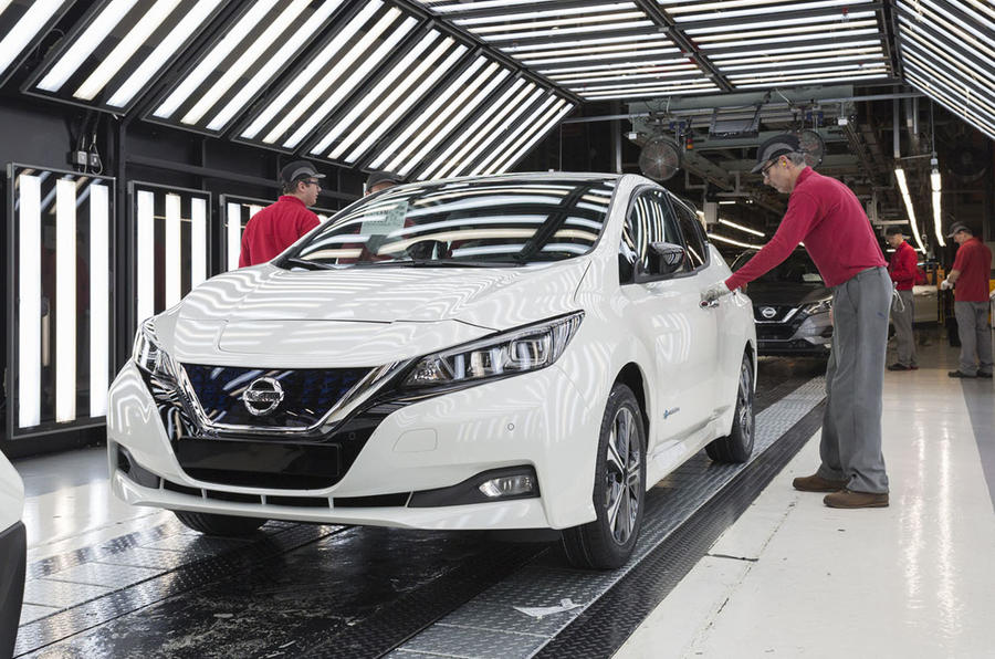 Nissan cuts the price of Nissan Leaf EV by £1,650