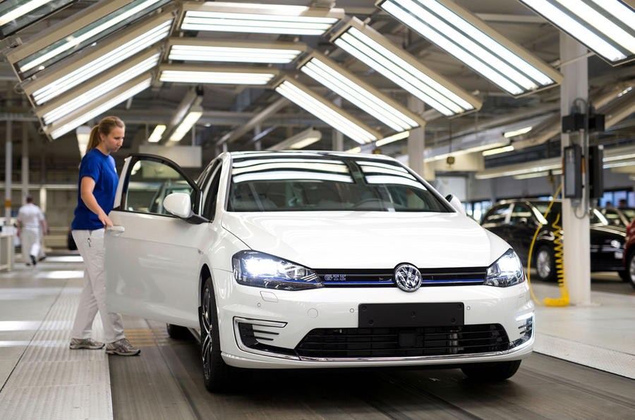 Worlds Biggest Car >> Inside Volkswagen's Wolfsburg production plant | Autocar