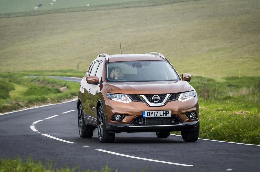 Nissan X-Trail cornering
