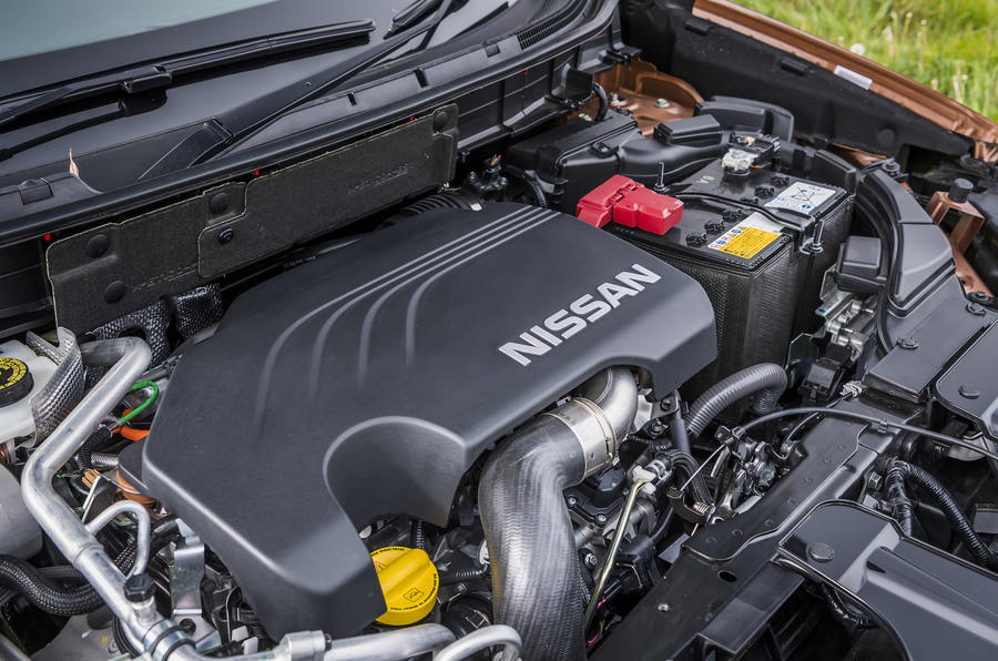 Nissan X-Trail engine bay