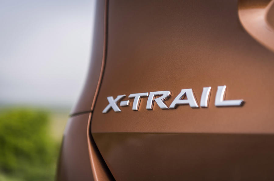 Nissan X-Trail badging