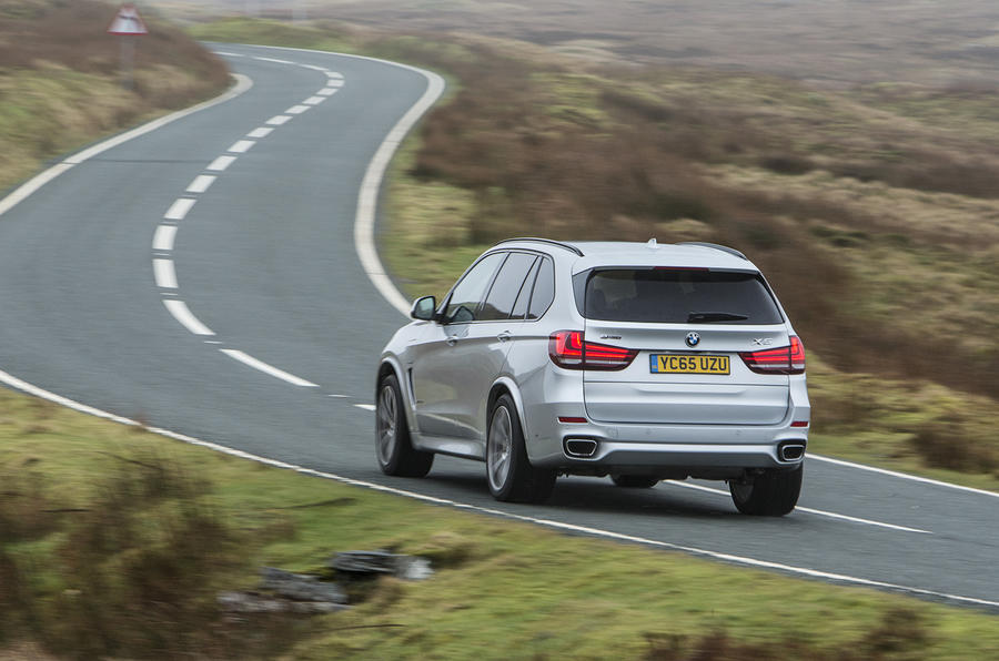 BMW X5 xDrive40e rear