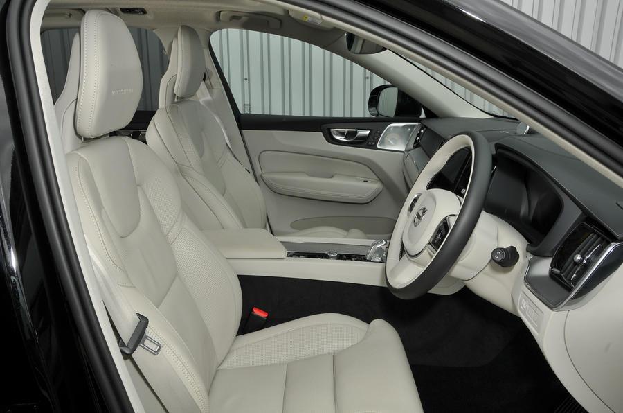Volvo XC60 T8 interior