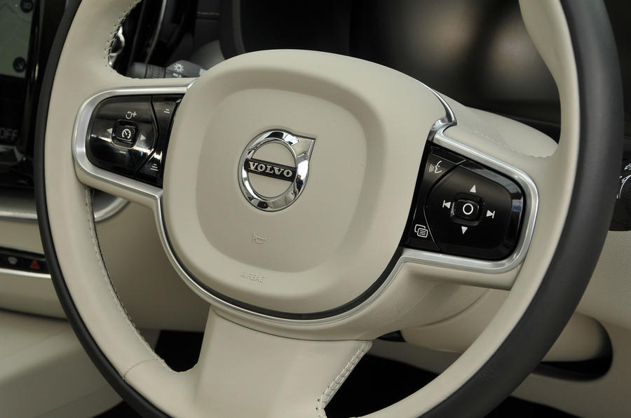 Volvo XC60 T8 steering wheel
