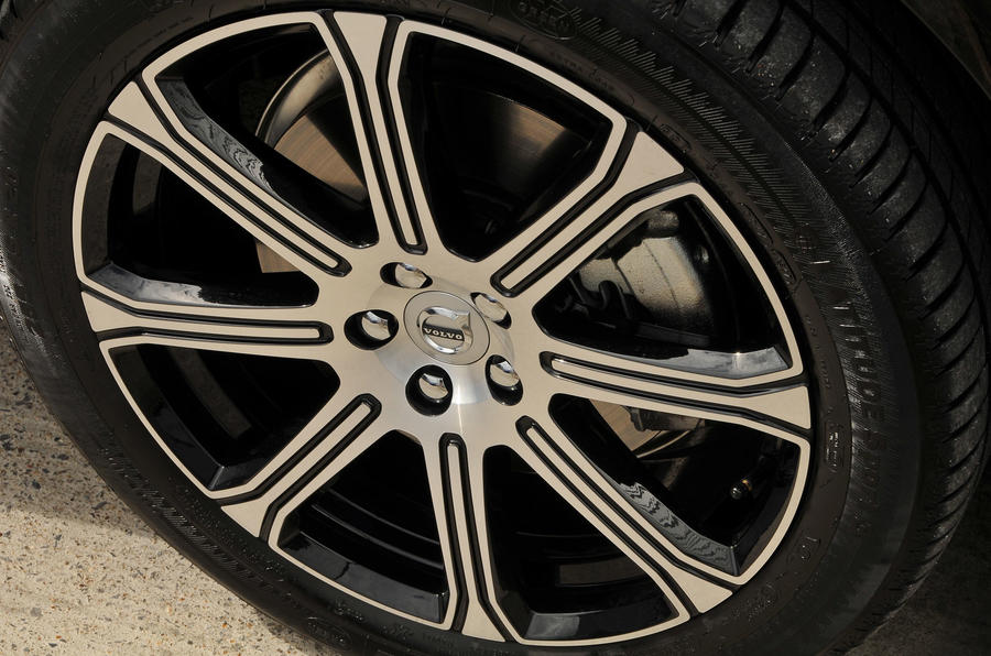 Volvo XC60 T8 alloy wheels