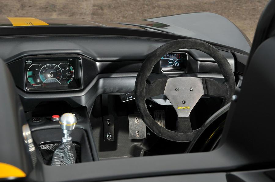 Zenos E10 R dashboard