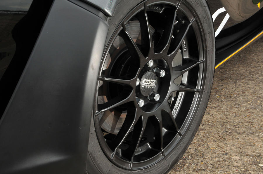 Zenos E10 R Oz racing wheels