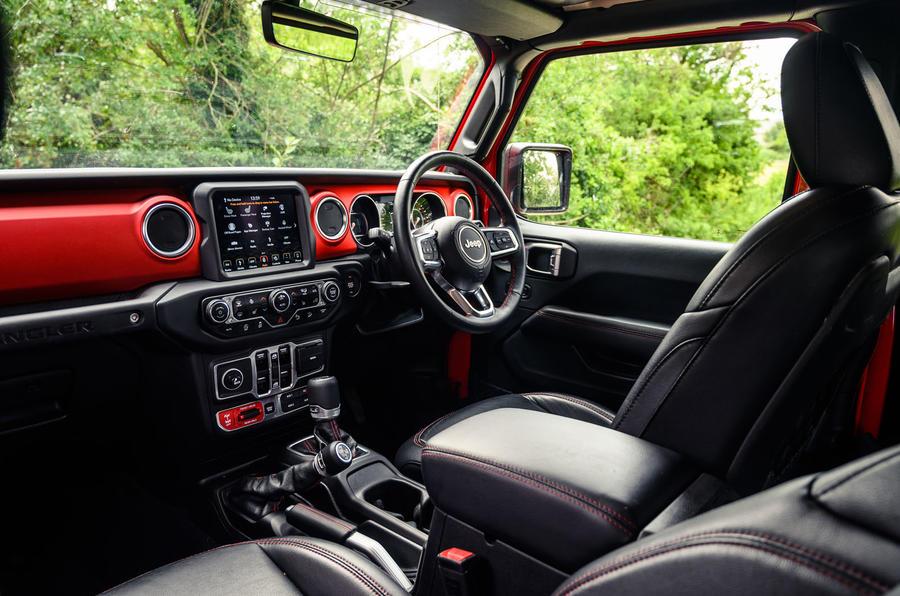 Jeep Wrangler Rubicon 2020 : bilan à long terme - cabine