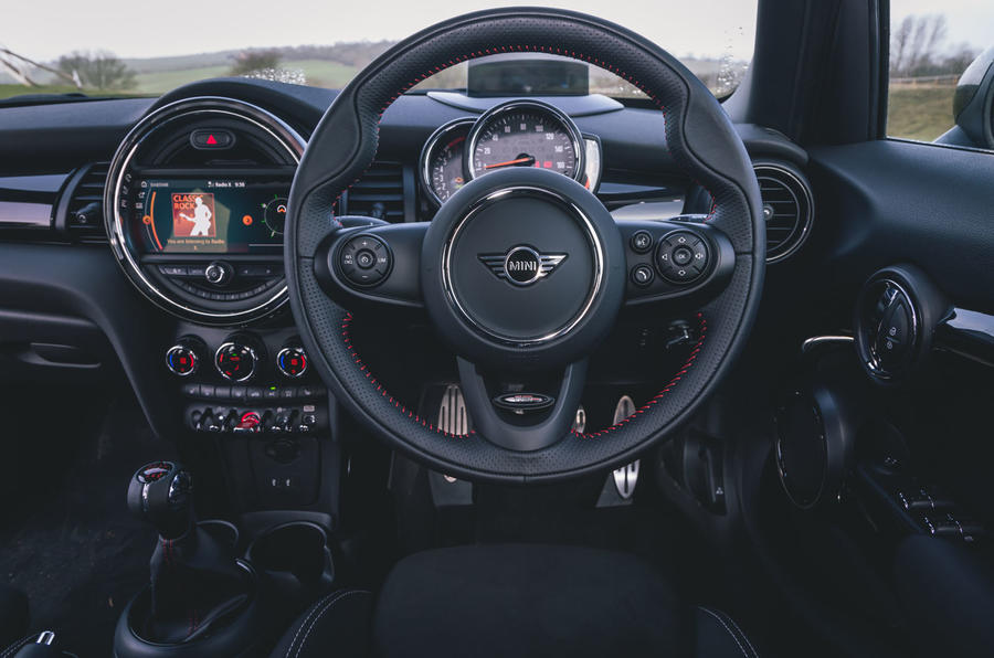 Mini 5-door Cooper S 2019 long-term review - dashboard