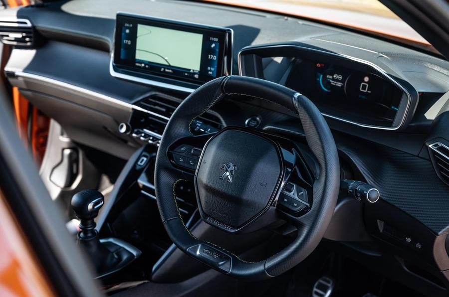 Peugeot 2008 2020 : essai à long terme - tableau de bord