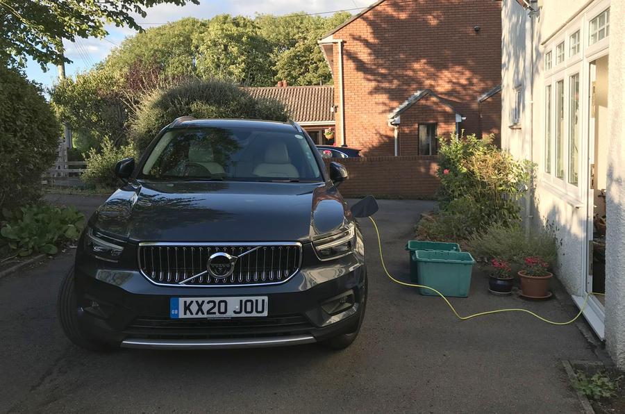 Recharge Volvo XC40 T5 2020 : examen à long terme - la recharge à domicile