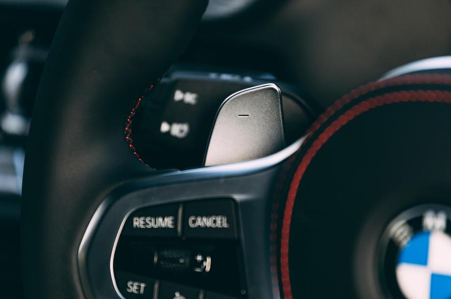 11 BMW 128ti 2021 LT hero palettes de changement de vitesse