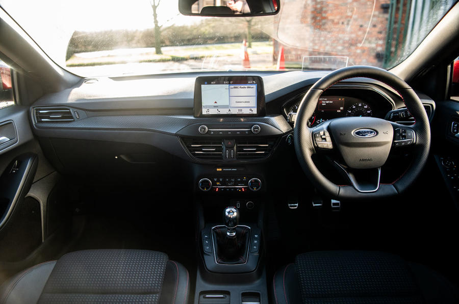 Ford Focus 2019 long-term review - dashboard