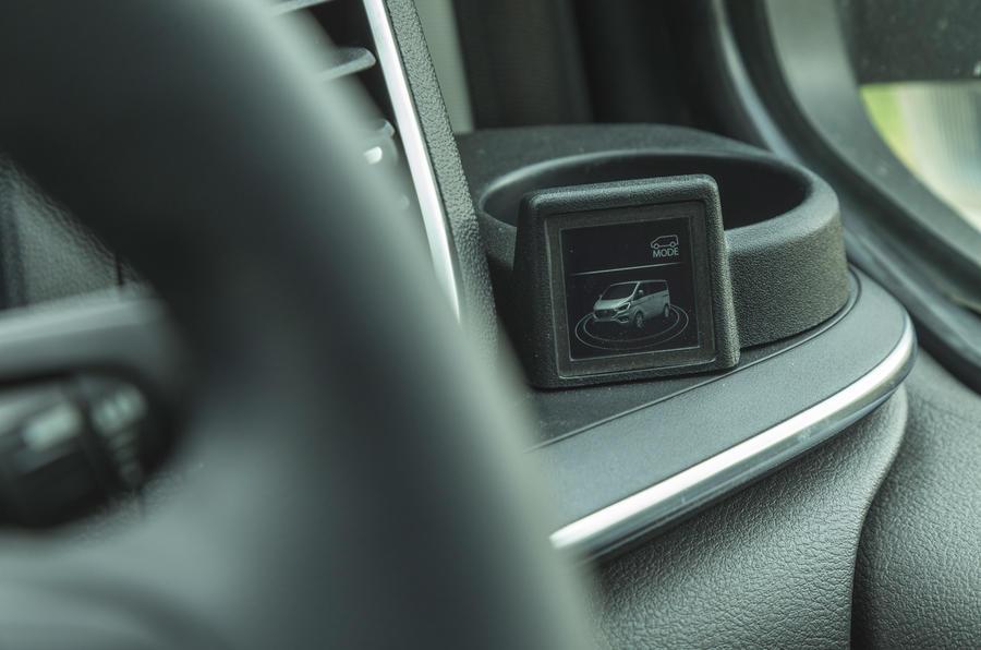 11 Ford Tourneo 2021 LT capteurs de recul